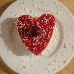 Coeur de panna cotta à la mousse de fruits rouges