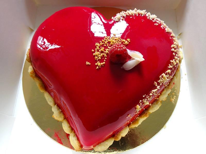 Entremets coeur framboise litchi et rose